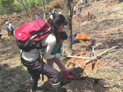 「あさひの森・高千穂」での植林活動2